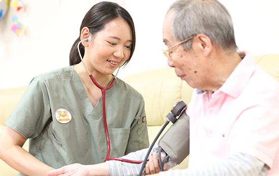 【神戸市北区】夜勤訪問看護師募集◇有休消化100%を推奨しているのでプライベート充実!WワークOKで効率よく高収入!